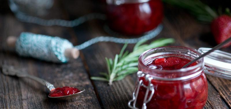 Jagodna marmelada, s sivko ali rožmarinom